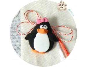 Martisor Brosa Pinguin cu fundita roz
