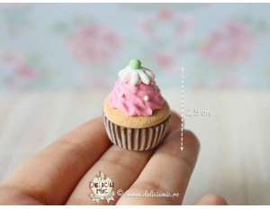 Martisor Pandantiv Strawberry Cupcake