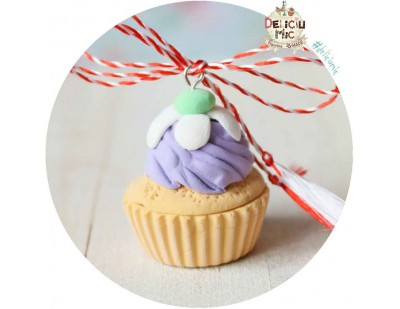 Martisor Pandantiv  Cupcake lila cu floricica alba