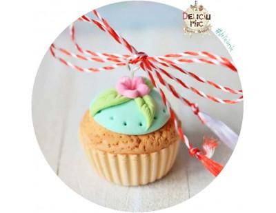 Martisor Pandantiv Cupcake turcoaz cu floricica roz