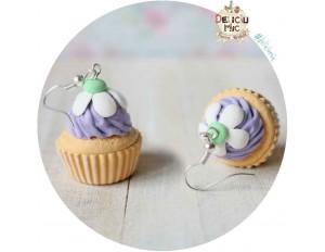 Cercei Cupcake lila cu floricica alba