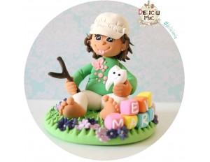 """Figurina de tort """"Fetita cu Prastie si Dintisor""""  personalizata cu numele scris pe cuburi colorate"""