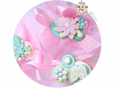 Aranjament pentru Cristelnita si Cadita - tiul roz si perle sidefate roz, turcoaz, vernil si galben lamaie