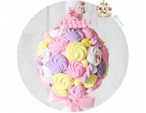 Lumanare de botez cu bezele si marshmallows din pasta polimerica roz, lila, galbena & alba