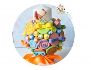 Lumanare botez Pitica, decorata cu acadele si bomboane necomestibile