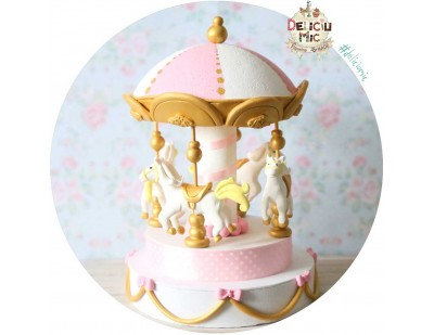 """Figurina de tort """"Carusel Fermecat"""""""