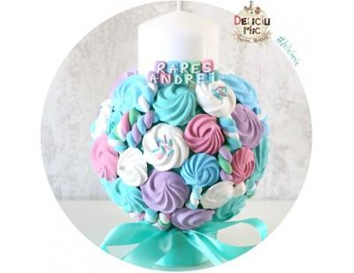 Lumanare de botez pentru baieti cu bezele si marshmallows multicolore