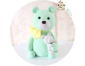 """Figurina de tort """"Ursulet cu ursulet de Plus"""""""