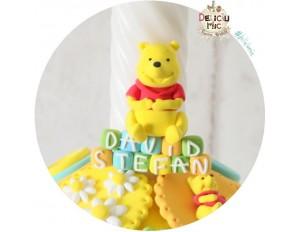 Marturie magnet Winnie the Pooh - personalizat cu numele bebelusului