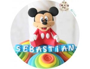 Marturie magnet Mickey Mouse cu body rosu - personalizat cu numele bebelusului