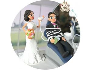 Figurine de tort pentru nunta - Mireasa Medic Dentist si Mirele pacient + Unit Dentar