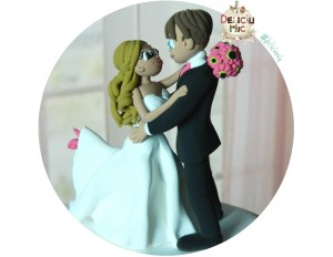 Figurine de tort Mire si Mireasa dansand