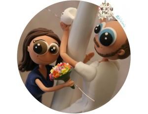 Figurine de tort Mire si Mireasa Medici Dentisti - se catara pe tort.
