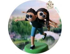 """Figurina de tort aniversara """"Cuplu in cumpana"""""""