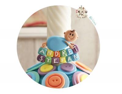 """Marturie de botez magnet """"Smiley Baby"""" personalizata cu numele bebelusului scris pe cuburi multicolore"""