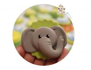 """Marturie pentru botez magnet cu tematica """"Jungla"""" - elefant handmade"""