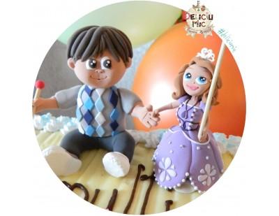 Figurina de tort pentru copii  - baietel alaturi de Printesa Sofia