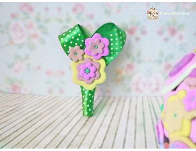 Cocarda Flori roz, verde, lime galben - handmade din pasta polimerica