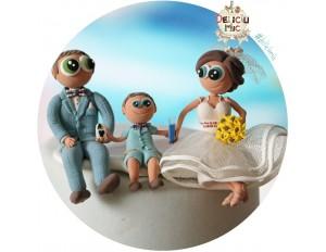 Figurine de tort pentru nunta - Mire, Mireasa si copilul lor