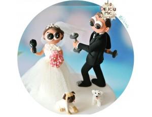 Figurine de tort pentru nunta - Mireasa coafeza, Mirele cu haltere si 2 catei