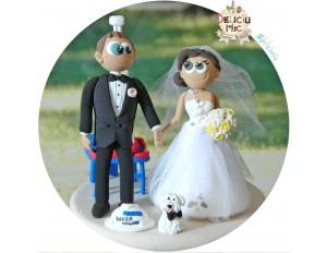 Figurine de tort pentru nunta - Mire inginer, Mireasa si catelul lor