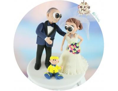 Figurine de tort pentru nunta - Mire, Mireasa si bebelusul lor