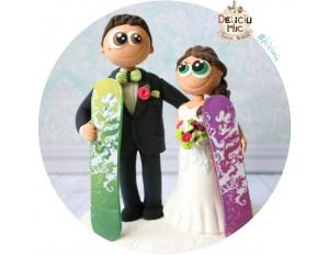 Figurine de tort pentru nunta - Miri pasionati de snowboard