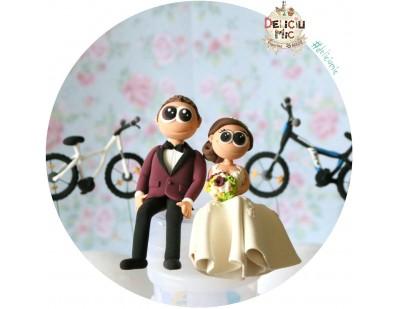 Figurine de tort pentru nunta - Miri pasionati de biciclete
