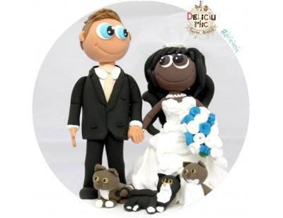 Figurine de tort pentru nunta - Mire si Mireasa afro-americana alaturi de animalutele lor