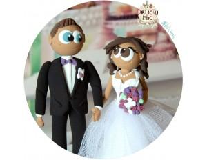 Figurine de tort pentru nunta - Mire si Mireasa cu trandafiri mov