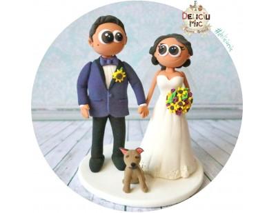 Figurine de tort pentru nunta - Mirii si catelul lor