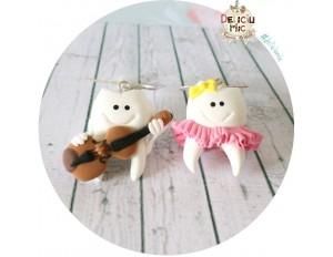 Cercei Dintisori cuplu, maseluta cu fustita roz si fundita galbena si dintisor violonist