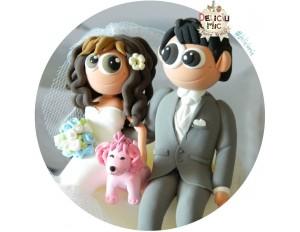 Figurine de tort Mire, Mireasa si Catel roz, asezati pe tort