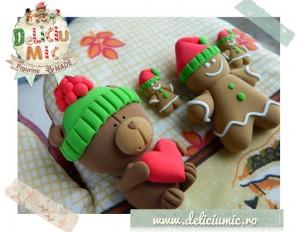 Gingerbread Man cu caculite rosii - Set de bijuterii handmade format din cercei si brosa