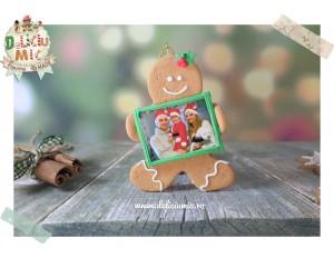 """Decoratiune """"Omulet de turta dulce cu Rama Foto verde"""""""