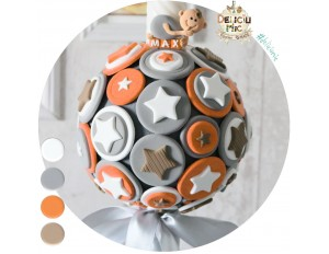 Lumanare non-florala cu cercuri si stelute portocalii, gri si albe