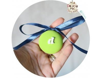 Medalion m&m verde cu fundita bleomaren - 4 cm diametrul