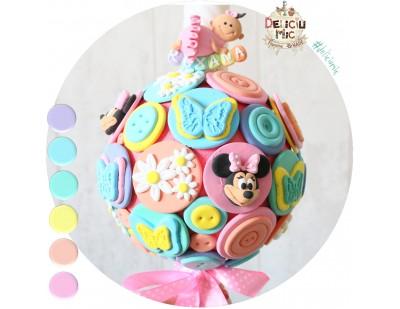 """Lumanari botez """"Minnie Mouse"""" cu floricele si fluturi multicolori"""