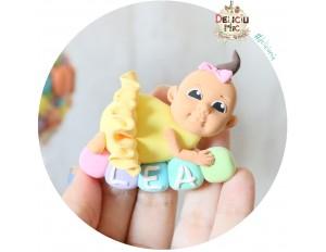 """Marturie de botez magnet """"Cute Baby Girl"""" fetita cu tutu galben personalizata cu numele"""