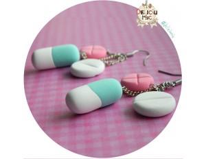 Cercei 3 pastile in nuante de roz, turcoaz si alb
