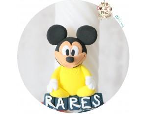 Marturie magnet Mickey Mouse in body galben - personalizat cu numele bebelusului