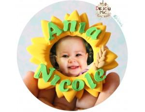 Marturie magnet rama foto Floarea Soarelui, personalizata cu numele bebelusului