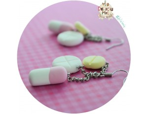 Cercei 3 pastile in nuante de roz, galben si alb