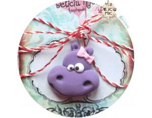 "Martisor Medalion ""Hipopotam cu fundita"""