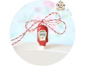 """Martisor Medalion """"Sticla de Ketchup"""""""