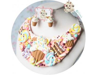 Set Colier Delicios - felii de tort, cupcake-uri si acadele multicolore si cercei cupcake