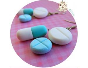 Cercei 3 pastile in nuante de bleo-turcoaz si alb